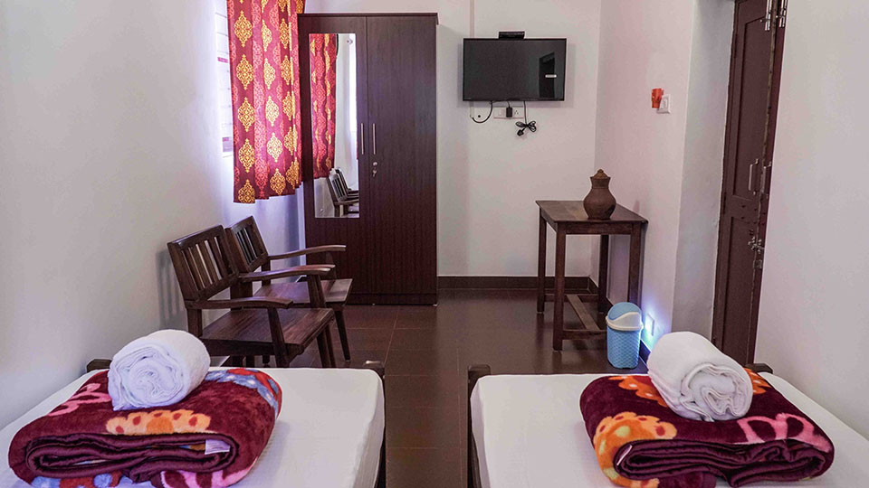 holiday home booking in Kerala
